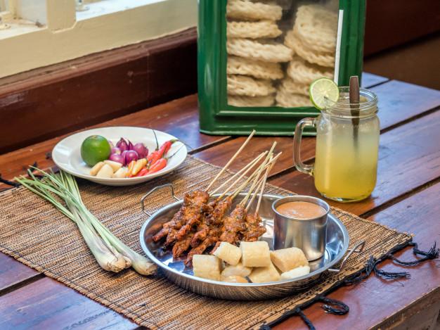 อาหารริมทางกับการขับเคลื่อนเศรษฐกิจของไทย